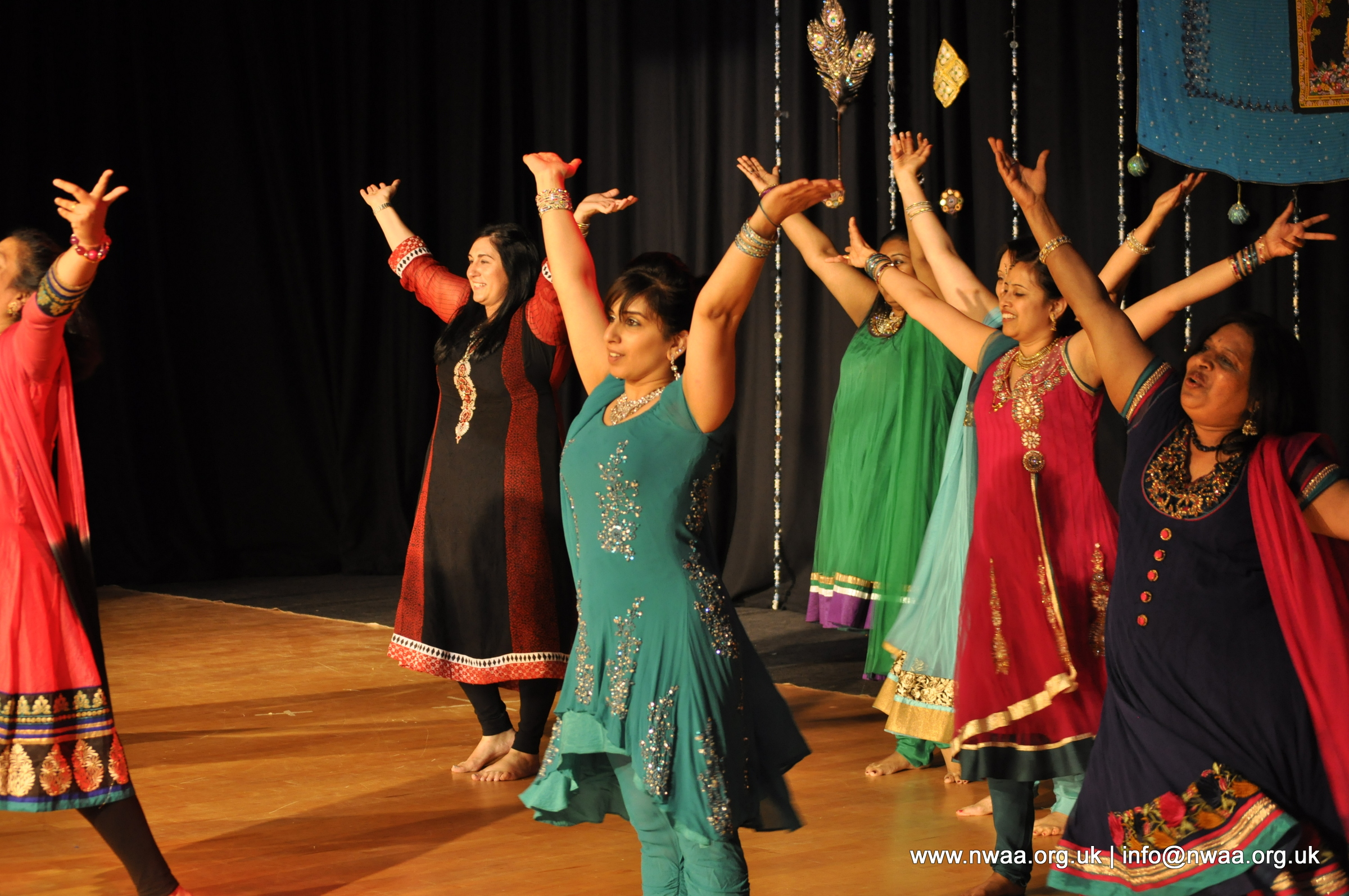 Naye Sitaare 2015 - North West Asian Arts - Adults Bollywood
