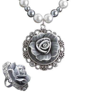 BAROQUE PEARLS NECKLACE W/CAMEO ROSE