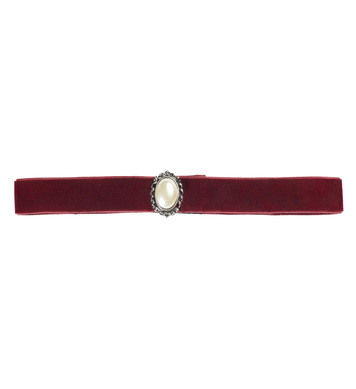 BURGUNDY CHOKER WITH PEARL STONE