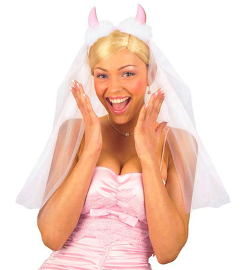 BRIDAL VEILS W/PINK HORNS