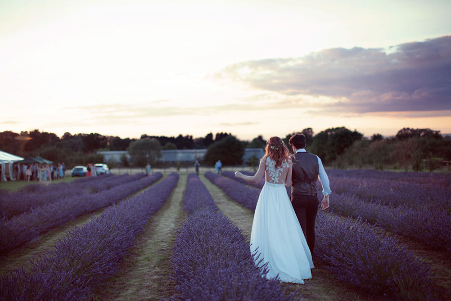 A beautiful DIY wedding in the English countryside of Epsom with natural wedding photography by Sasha Lee Photography