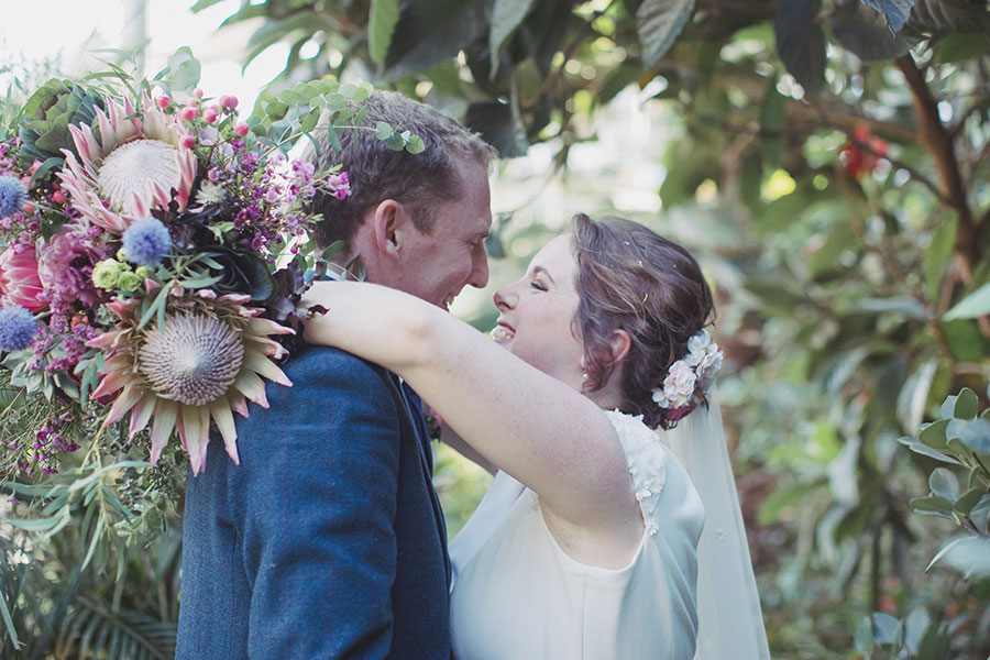 Kate & Rob ♡ Sheffield Botanical Gardens & Nice Neighbourhood Wedding Photography