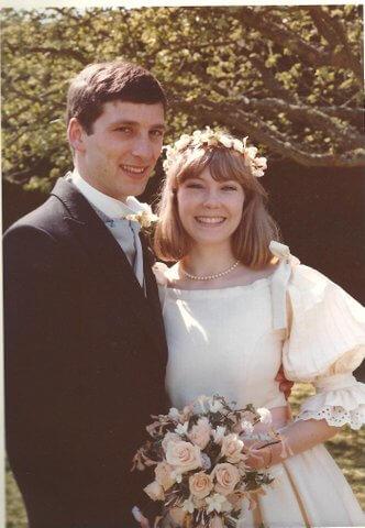Caroline - Sassi Holford Brides