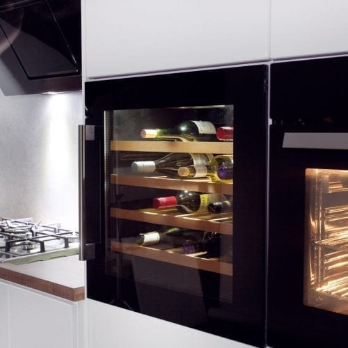 CDA FWV600BL 60cm Integrated Built In 40 Bottle Wine Cooler In Black