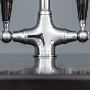 Reginox EASY325 1.5 Bowl Black Granite Kitchen Sink And Brooklyn Swan Neck Tap