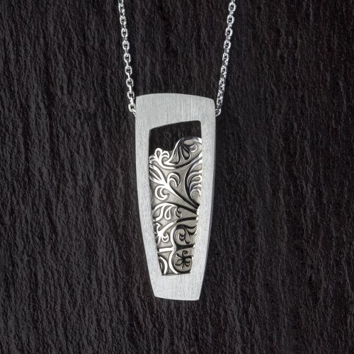 Faller Galloglas Fleur, Scots Gaelic, Scottish claymore, camán, hurley, pendant, GAA Museum, medieval, Clonca, Culdaff, Inishowen, Co. Donegal, Ireland, Gallóglaich, Gallowglass warrior, pendant, sterling silver