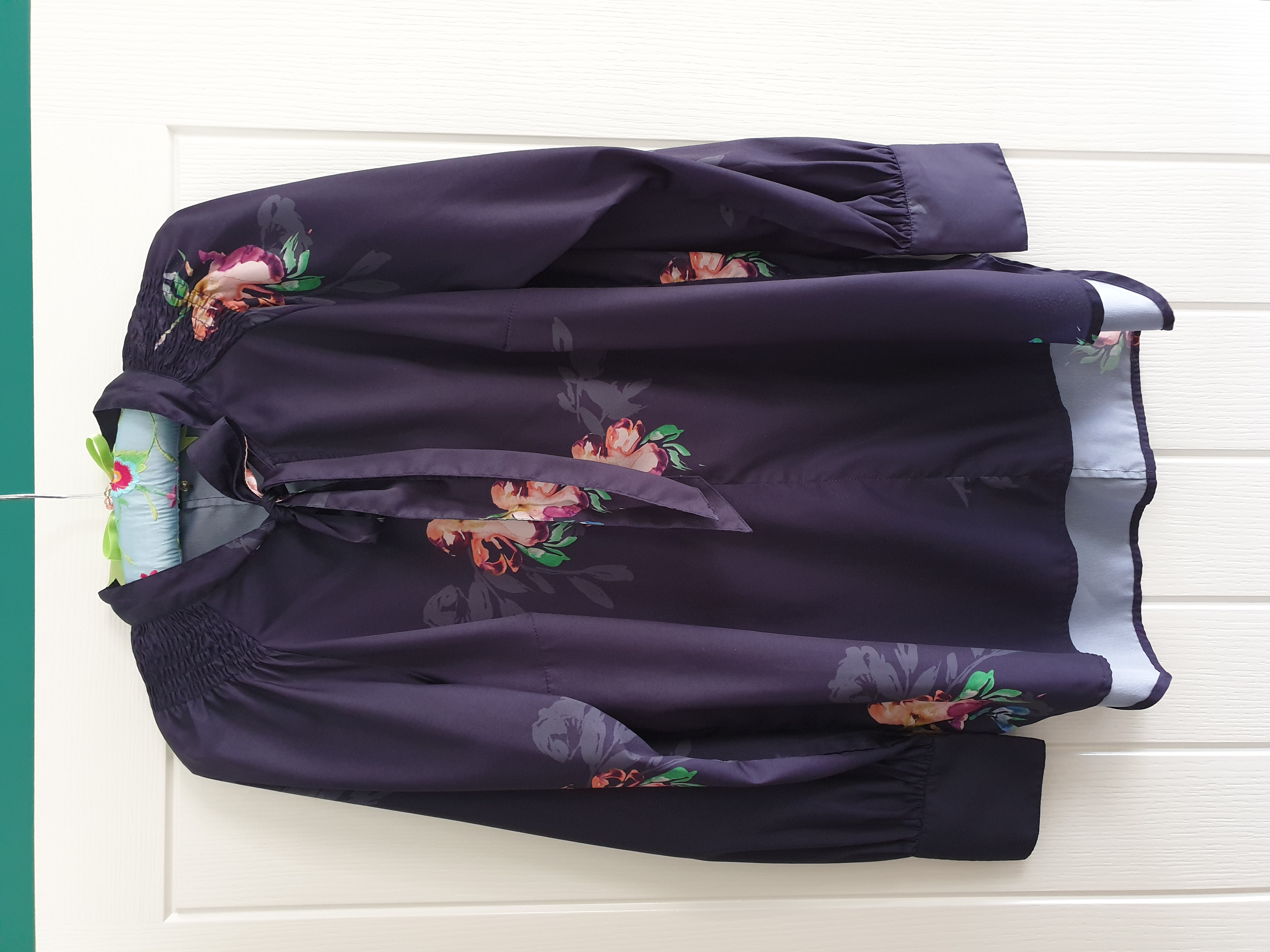 Image of French Connection Long Sleeved Floral Blouse Size 16