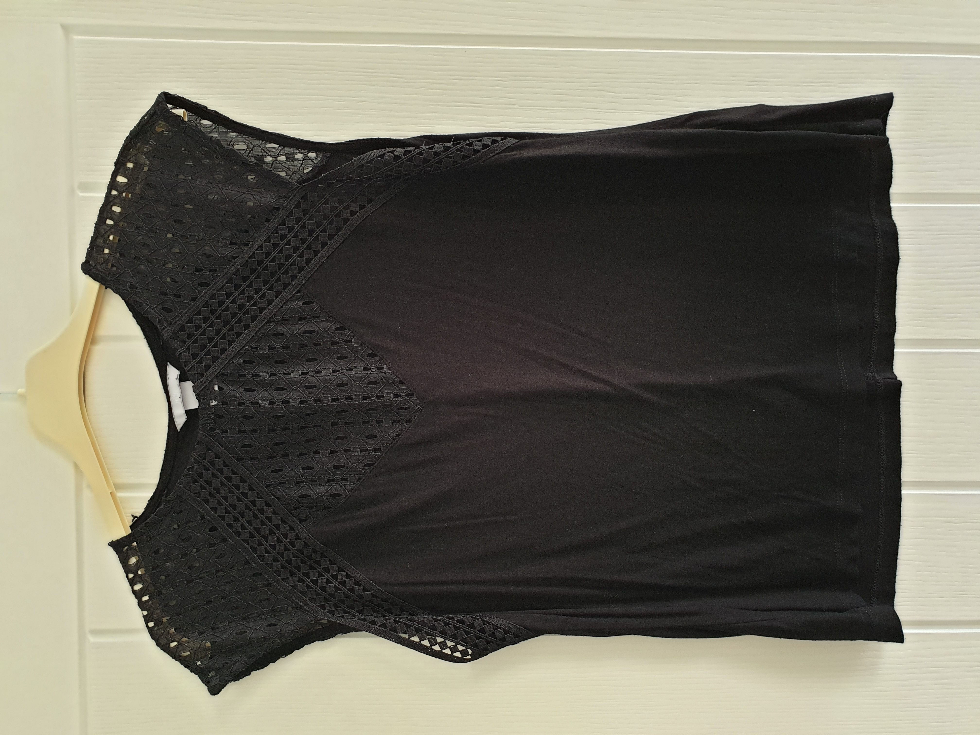 Image of H&M Lace detail short sleeved top size L