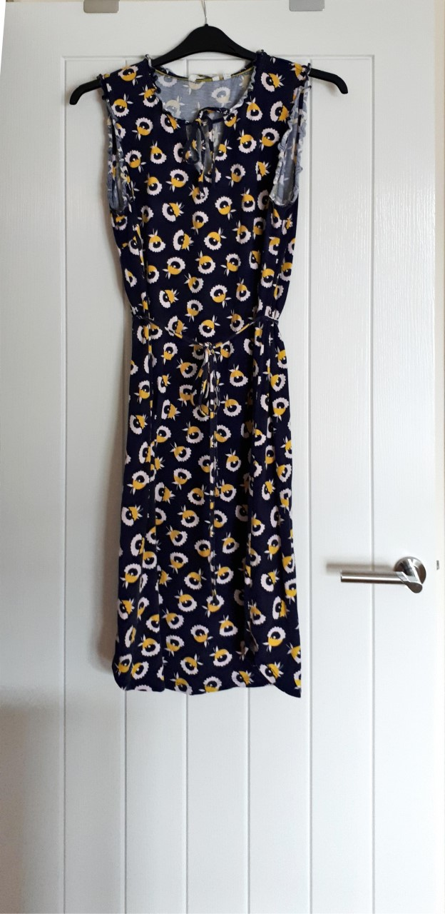 Image of Boden This is a sleeveless navy jersey shift style dress in size 16R