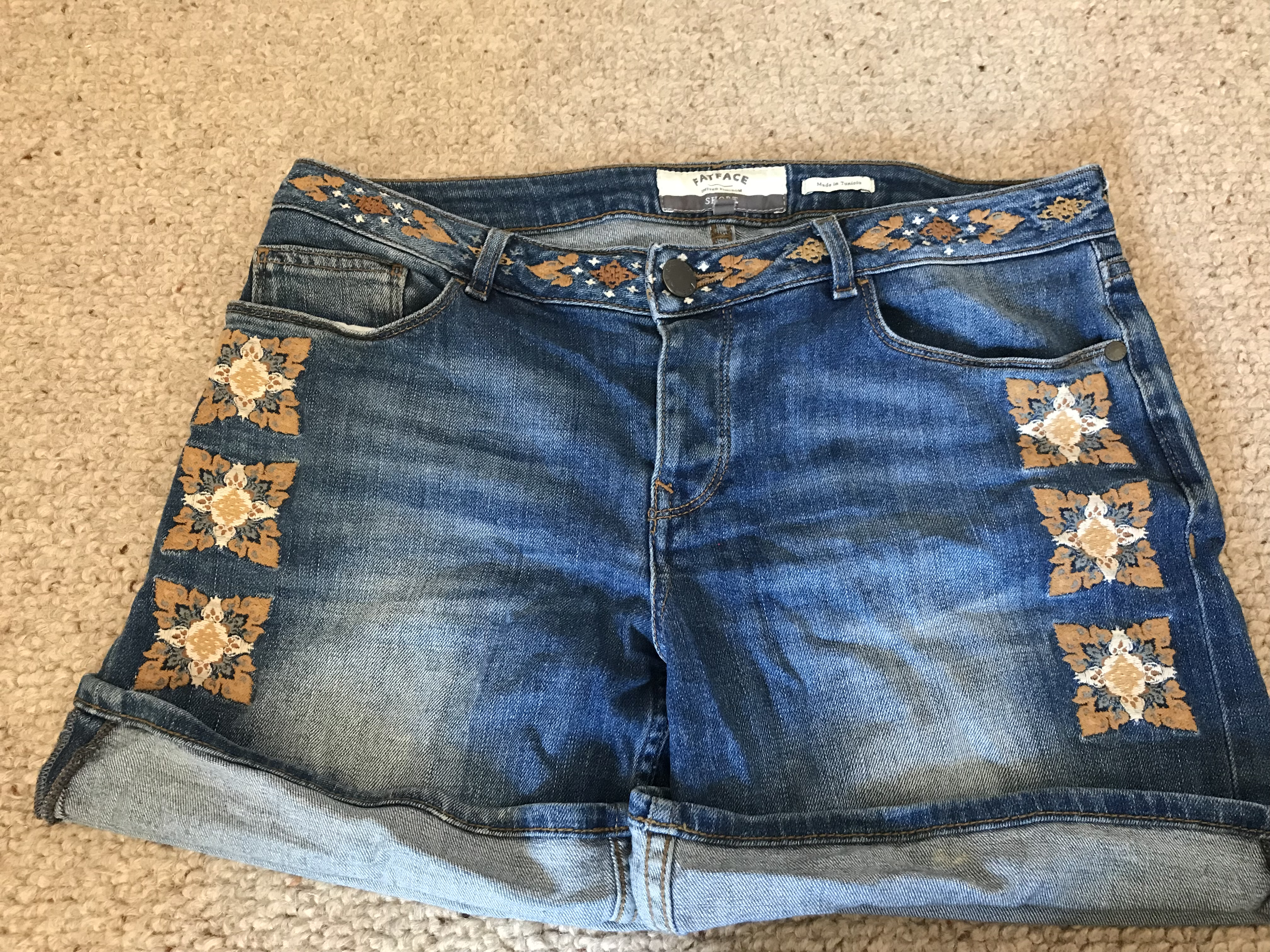 Image of Fatface Size 10 embroidered denim shorts