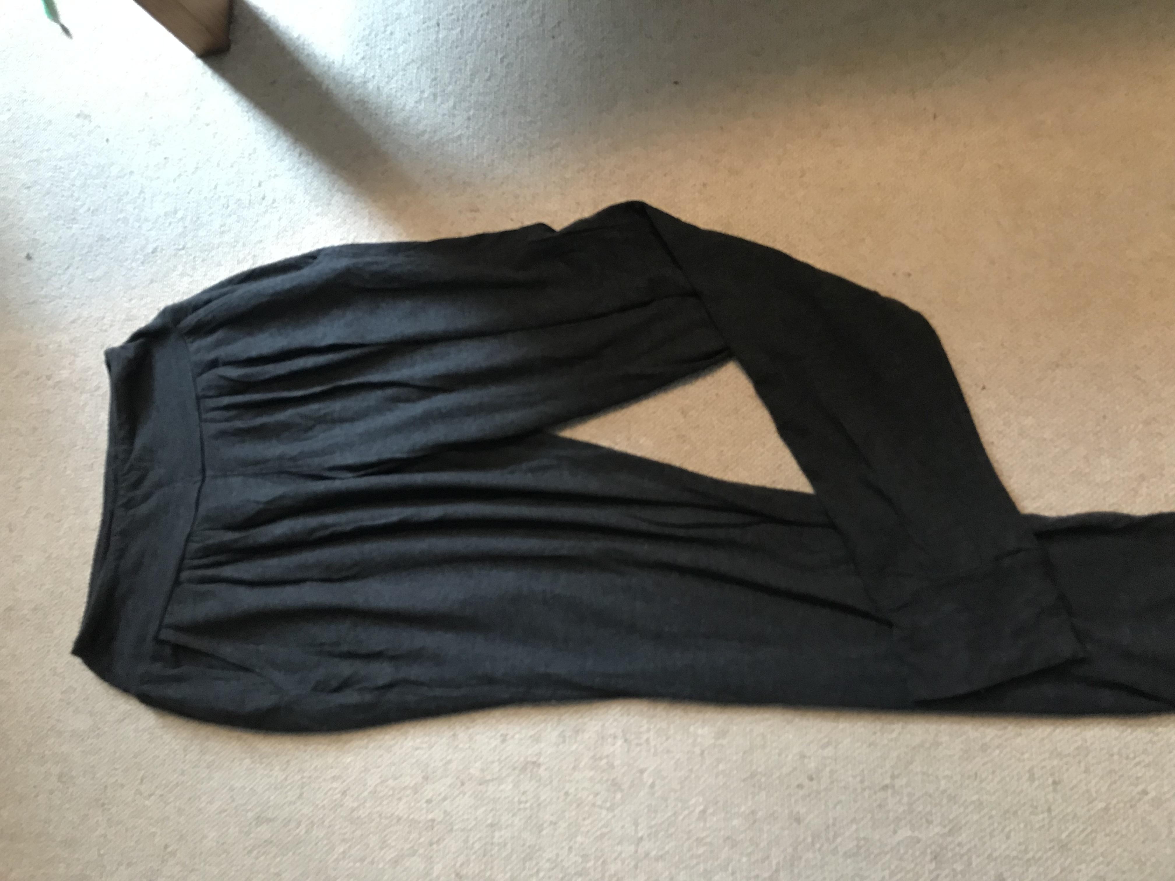 Image of BAM Size 10 grey yoga sweatpants