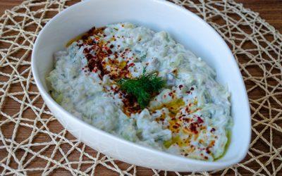 Yoğurtlu Salatalık Ve Kabak Salatası