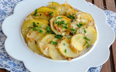 Fırında Kremalı Soğanlı Patates