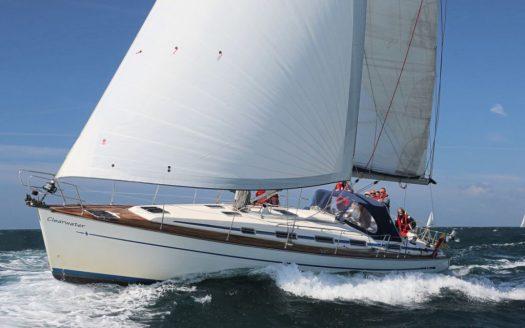 Skippered Yacht Charter - Solent Yacht CharterSolent Yacht