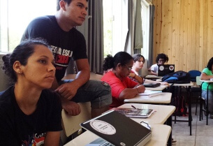 Anglicans in Brazil work with social movements to challenge