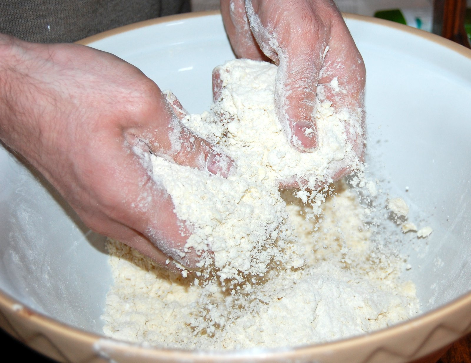 Making pastry: rubbing fats into flour