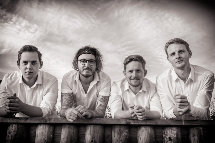Jc And The Sunshine Band