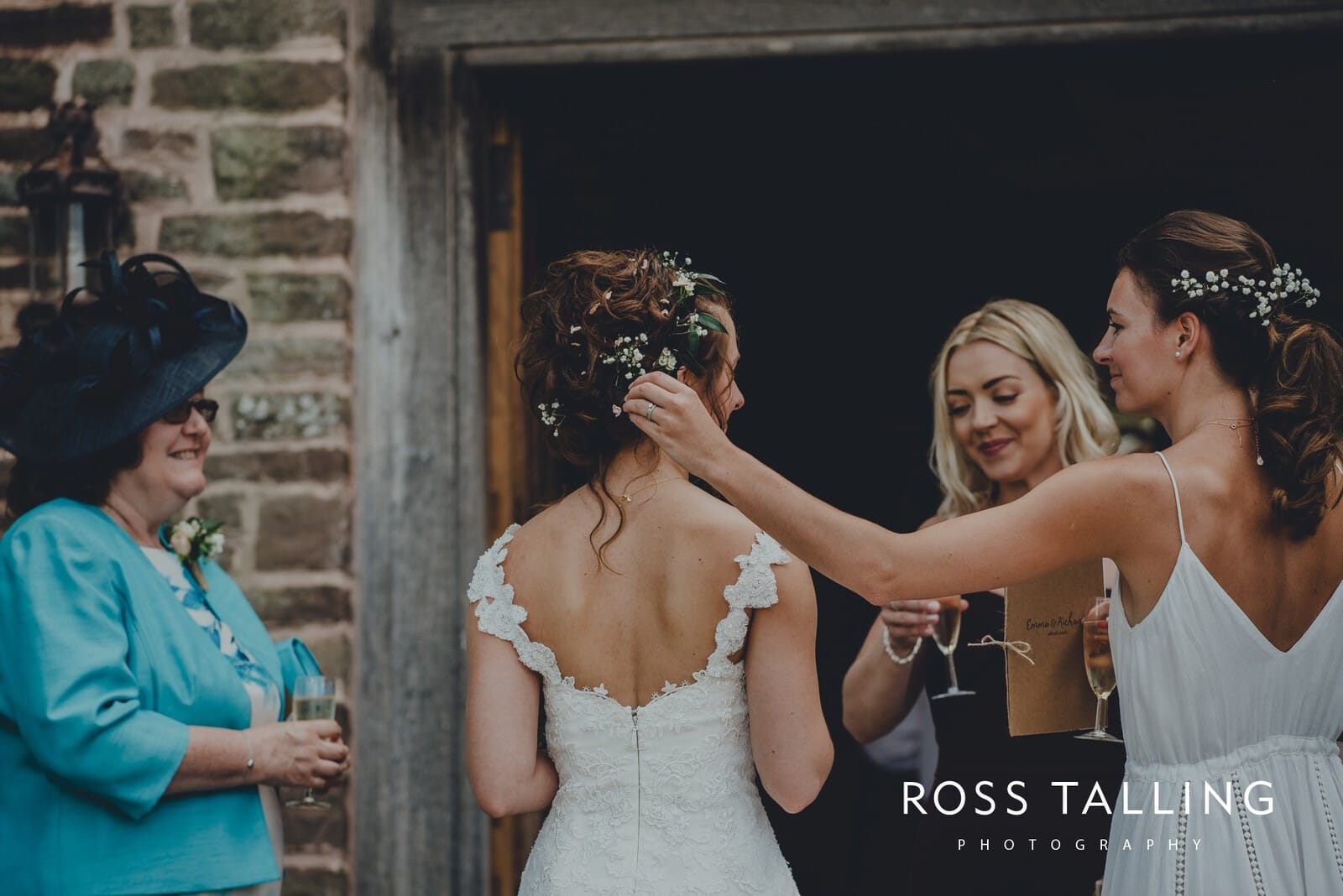 Dewsall Court Wedding Photography Hereford_0116