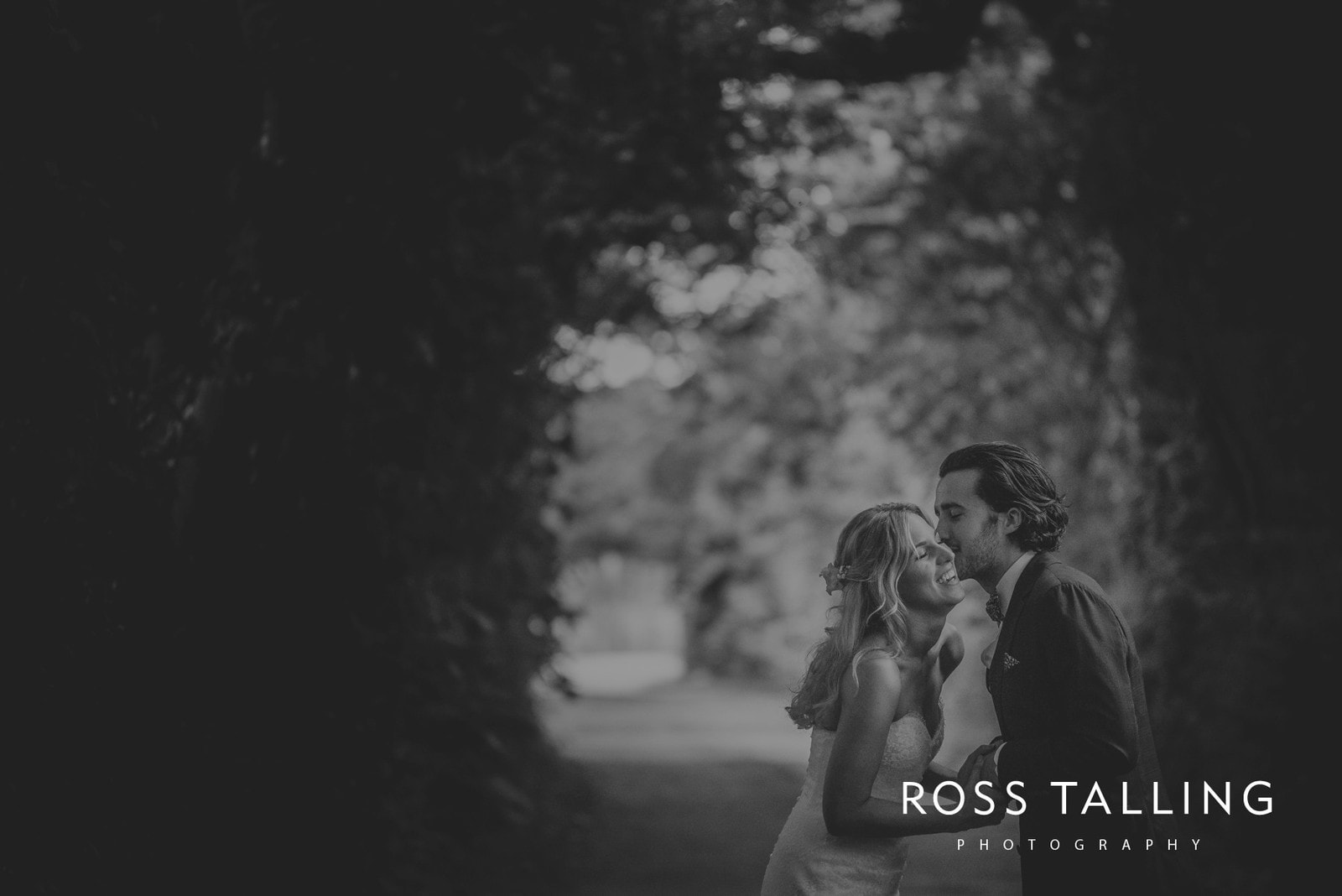 jack-caros-nancarrow-farm-wedding-photography_0243