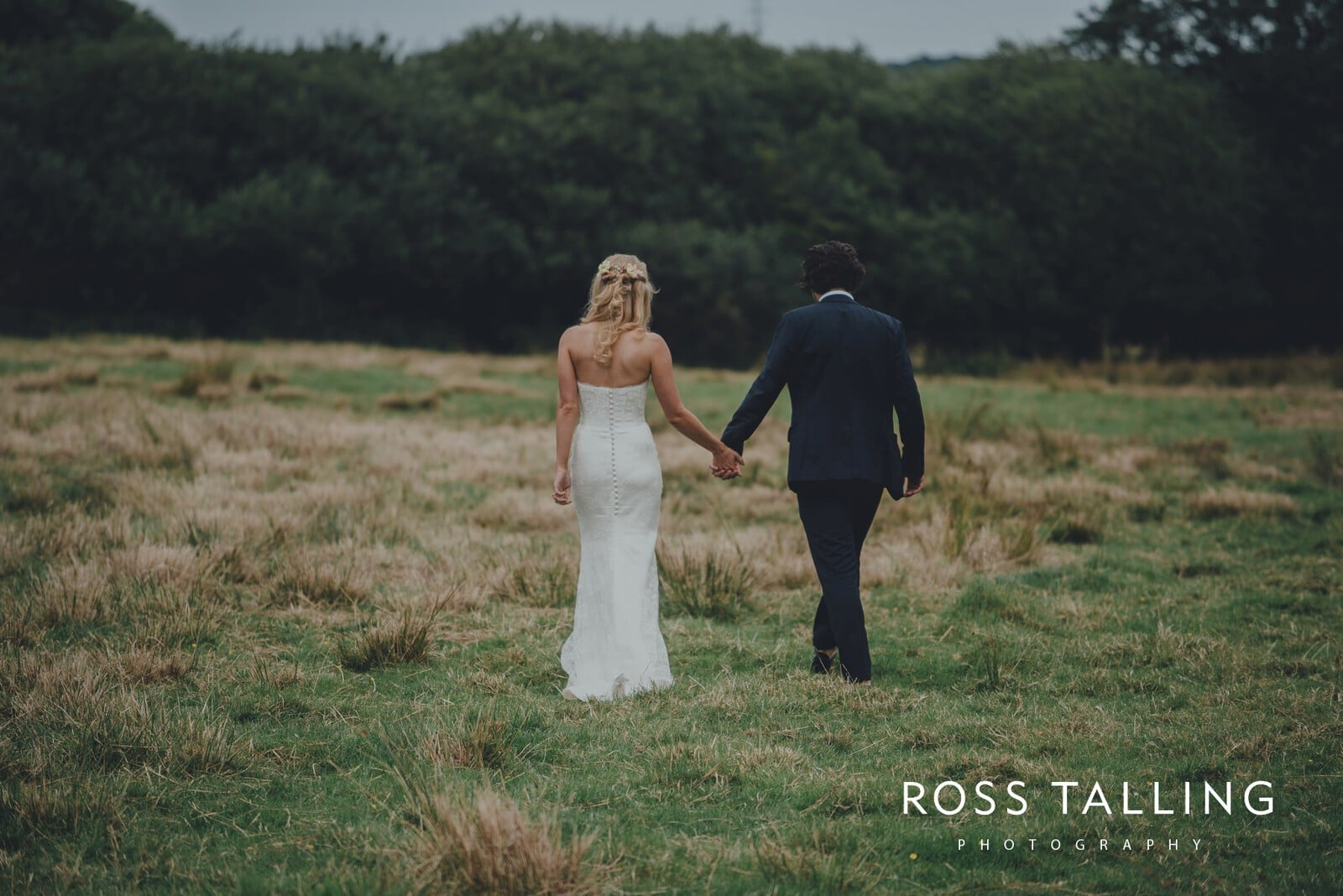jack-caros-nancarrow-farm-wedding-photography_0222