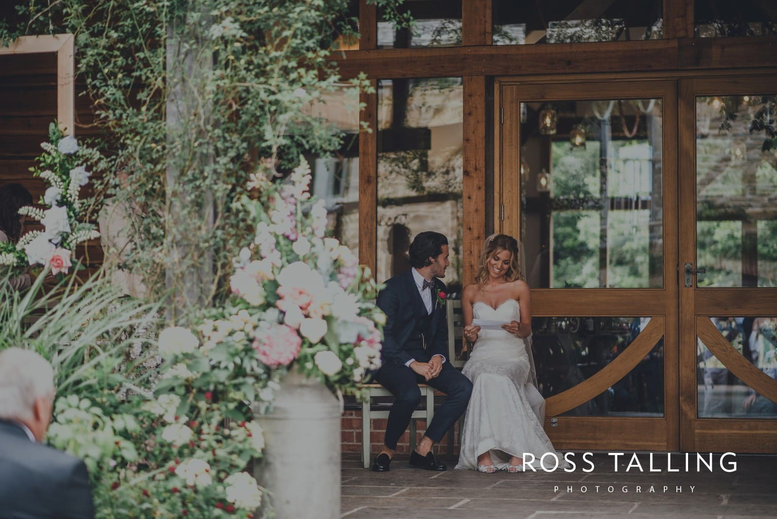 jack-caros-nancarrow-farm-wedding-photography_0122