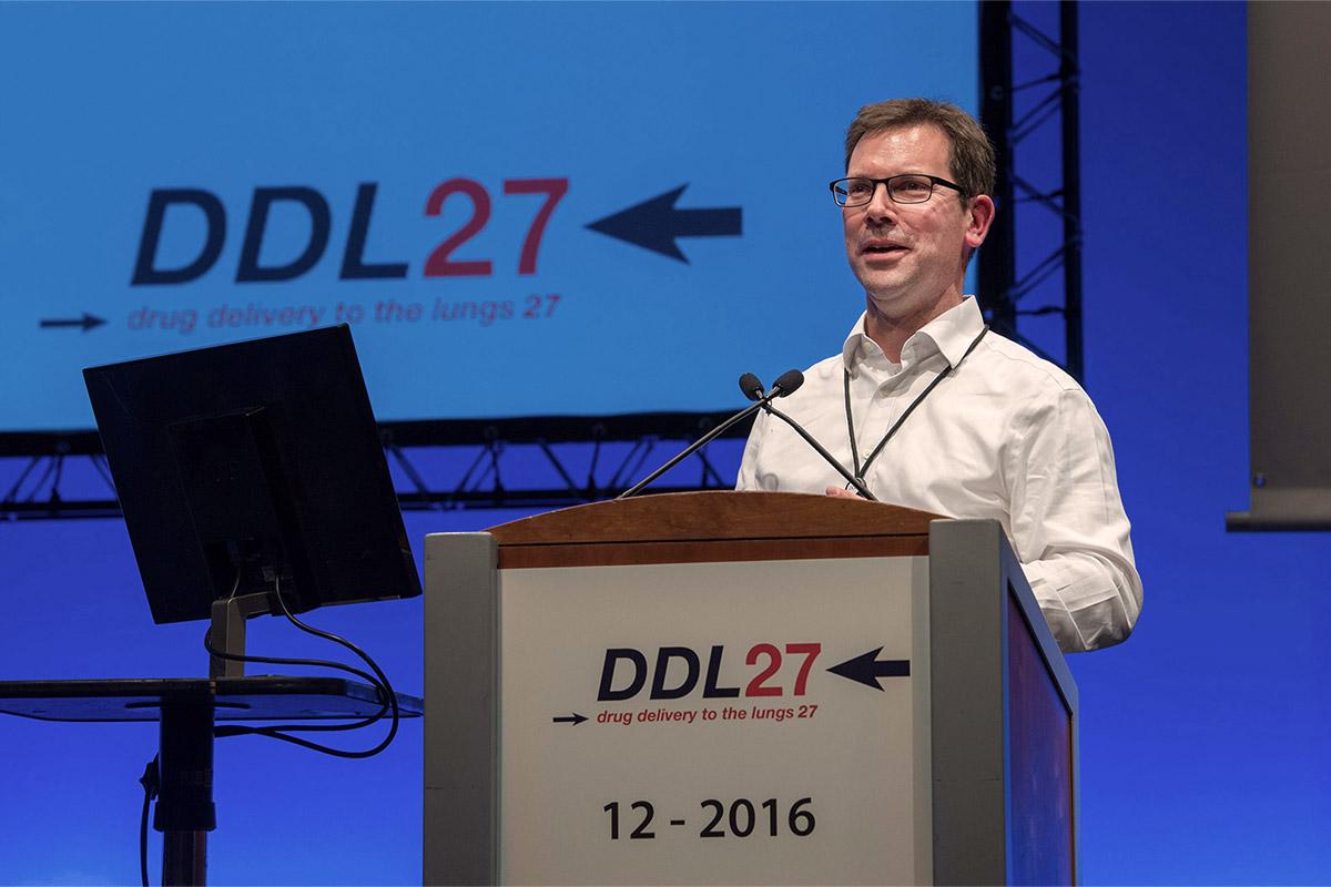 julian-dixon-director-of-human-factors-presenting-at-ddl27-1