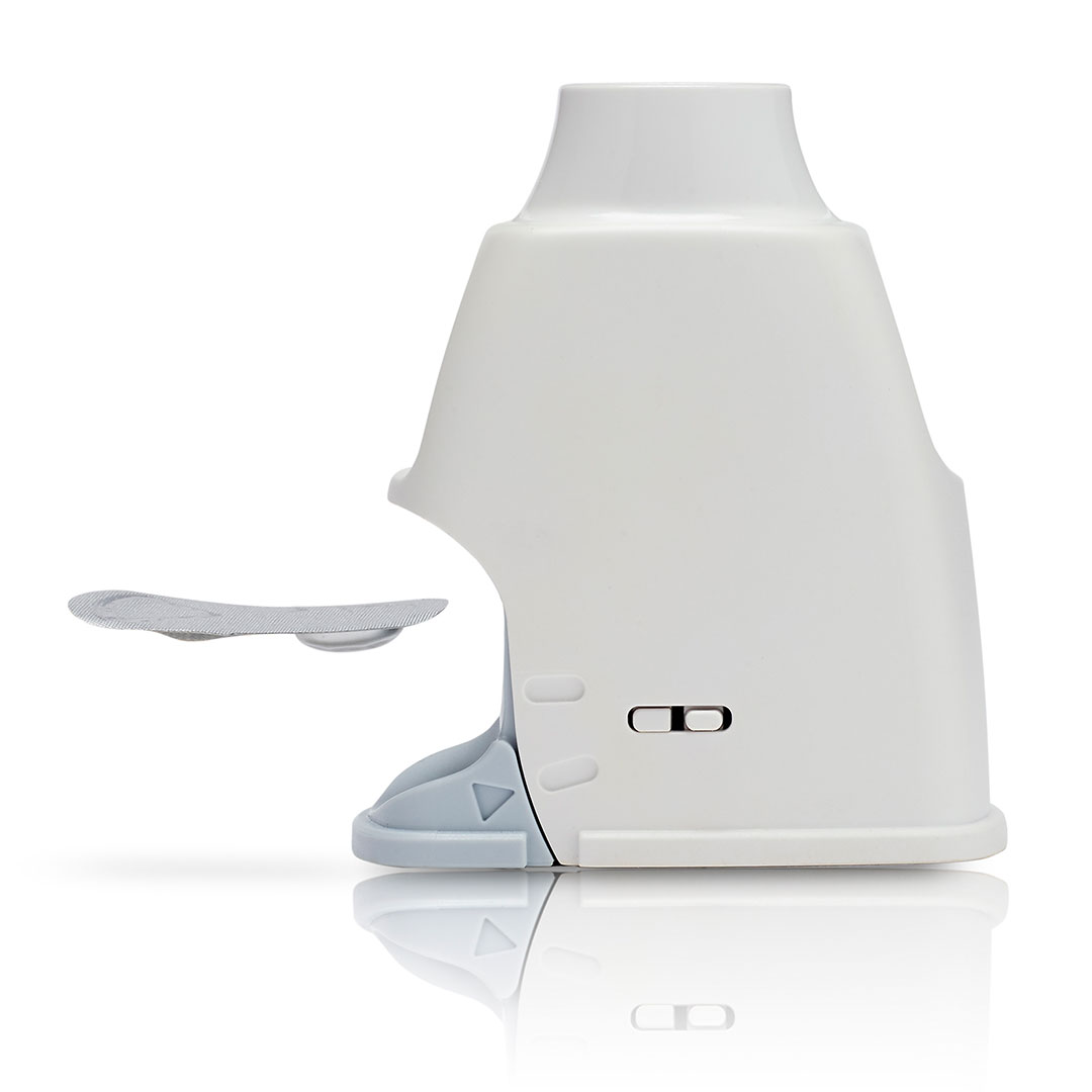 dry powder inhaler device drug blisters