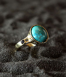 Telos Magic Moon Ring Gold Above side View