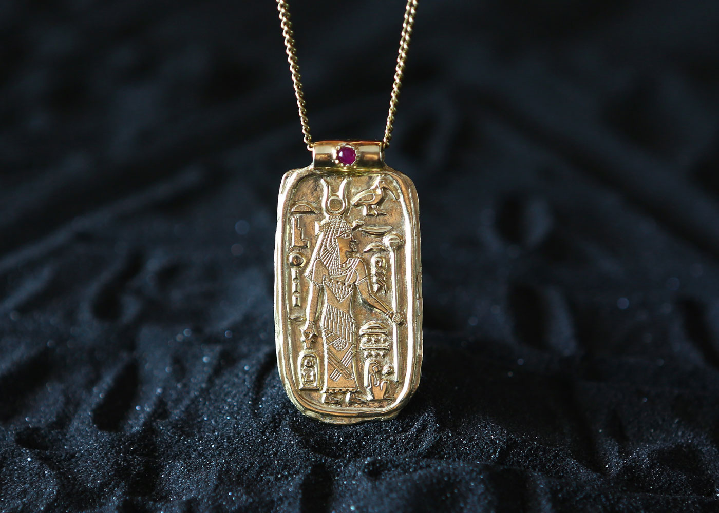 Telos Magic Isis Amulet Pendant Gold With Ruby Gold Front View