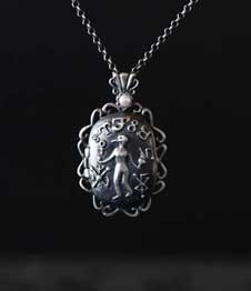 Telos Magic Venus Love Locket Pendant Silver Front View Sand