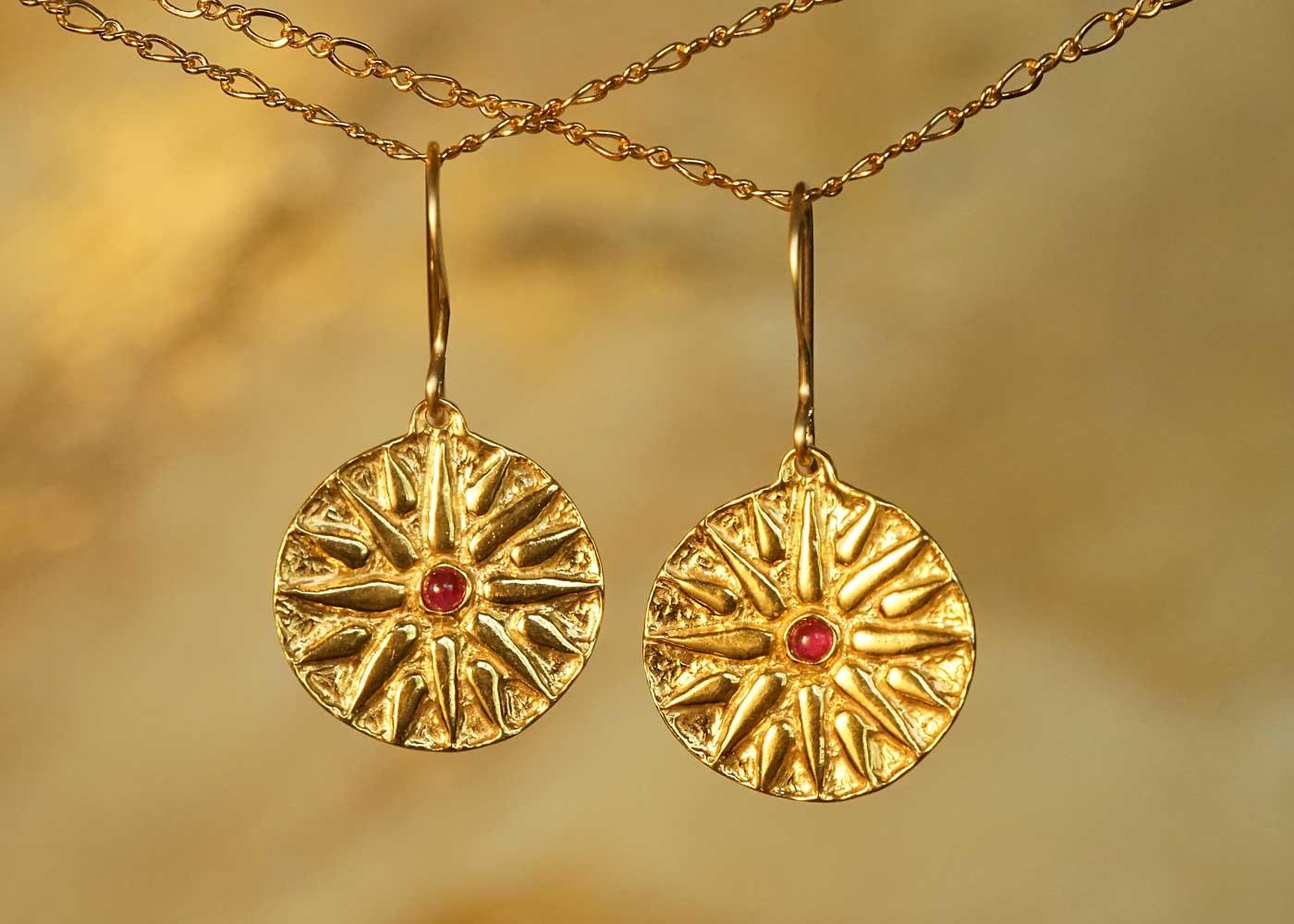 Telos Magic Mocdon Earings Gold Front