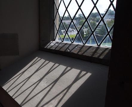 Clear leaded glass window trellis