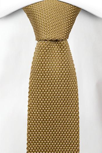 Smal Slips i Stickat - Enfärgad i guldgul med rak nederkant - Notch ADEWALE