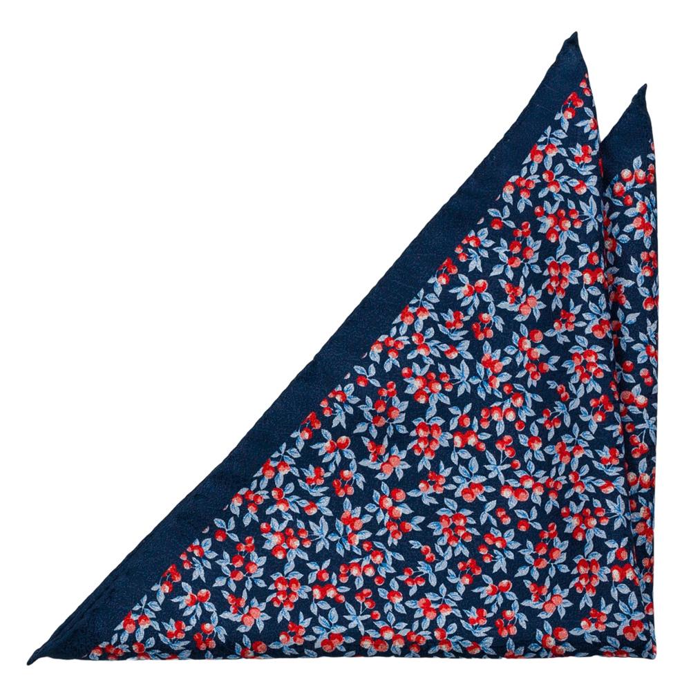 Bröstnäsduk i Siden - Röda bär och ljusblå löv på marinblå bas