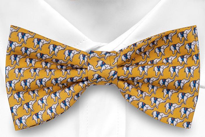 Knuten Fluga i Siden - Små vita och blå eleganter på gul bas
