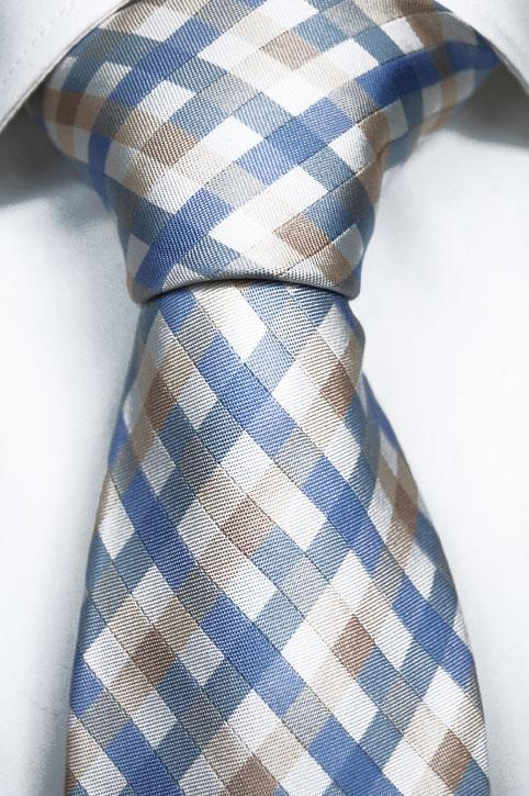 Slips i Siden - Vit botten och ett gallermönster i blått och beige