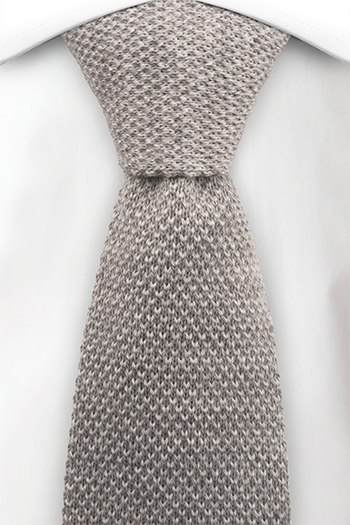 Slips i Stickat - Ljusgråmelerad mosstickning med rak nederdel