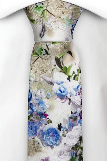 Smal Slips i Siden - Blå, vita och lila blommor på vitt - Notch FESTOSO Blue