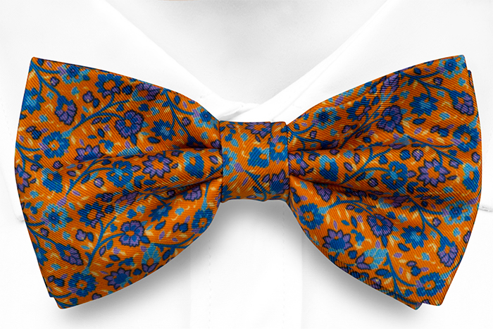 Knuten Fluga i Siden - Små, lila & blå blommor på orange bas