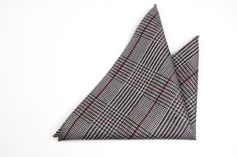 Bröstnäsduk i Siden - Mönster i svart och grått med en röd rand - Notch GUSTEN