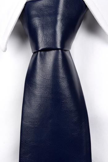 Slips i Läder - Matt mörkblå, ådrig struktur - Notch HART