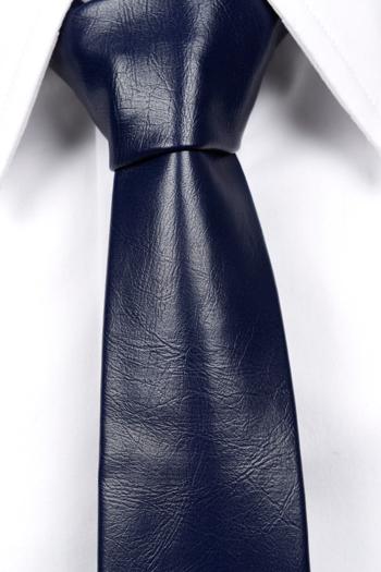 Smal Slips i Läder - Matt mörkblå, ådrig struktur. - Notch HART