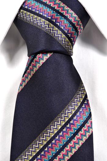 Slips i Siden - Marinblå bas med ett flerfärgat zickzack mönster - Notch JERALD
