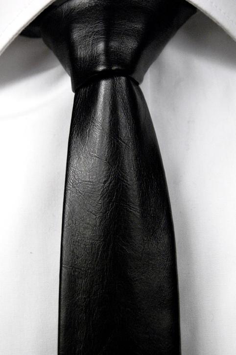 Smal Slips i Läder - Matt svart, ådrig struktur. - Notch KARIM