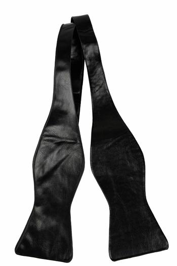 Oknuten Fluga i Läder - Matt svart, ådrig struktur - Notch KARIM