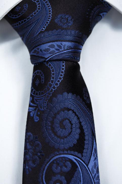 Smal Slips i Siden - Marinblå botten och paisley i olika blåa toner