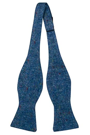 Oknuten Fluga i Ull - Blå bas strösslad med färgprickar - Notch MACULATO Blue