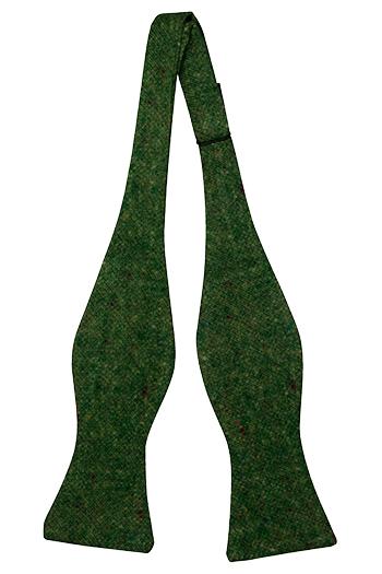 Oknuten Fluga i Ull - Skogsgrön bas strösslad med färgprickar