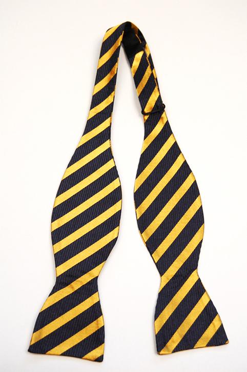 Oknuten Fluga i Siden - Mörkblå botten och ränder i gult - Notch MALCOLM