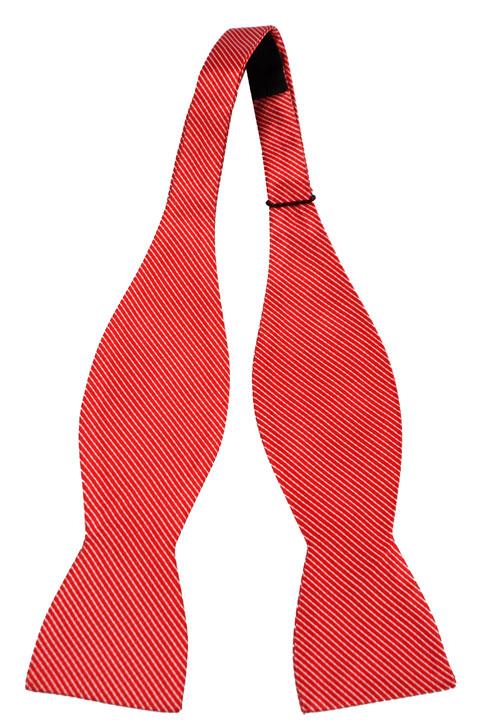 Oknuten Fluga i Siden - Klarröd botten med ränder i vitt - Notch PONTUS